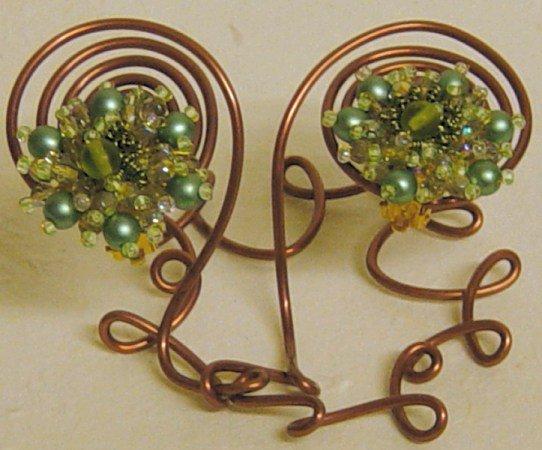 Orecchini perline clips portaorecchini di filo - Portaorecchini fai da te ...
