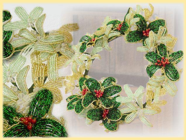 Creare decorazioni di natale con fiori in perline, perle di vetro